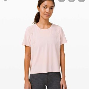 NWT outrun the heat lululemon size 4 pink